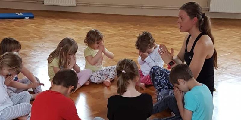 Gyermekjóga a Jóga Móka módszerével
